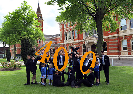 Pupils holding 400th Anniversary sign